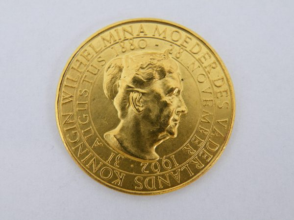 Gouden penning Wilhelmina moeder des vaderlands